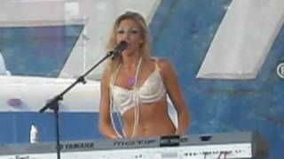 Lost in your eyes - Debbie Gibson  Chicago Pride Fest 2009