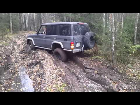 Toyota Land Cruiser 76 in mud