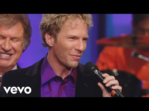 Gaither Vocal Band, Ernie Haase & Signature Sound - Give It Away (Live)