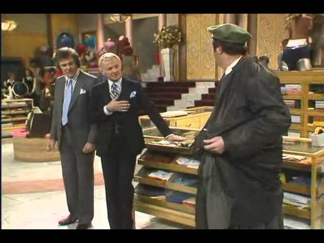 """Gordon Kaye in """"Are You Being Served?"""" S7x04"""