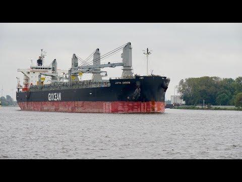 4K | JAPIN ARROW - biggest Cargo Ship ever moored in harbour Bremen Neustadt