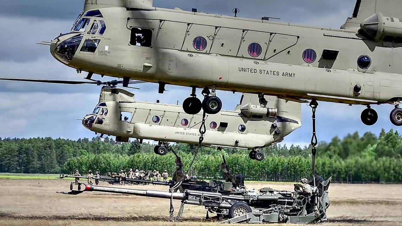 US Army – Chinook Helicopters Sling Load M777 Howitzers
