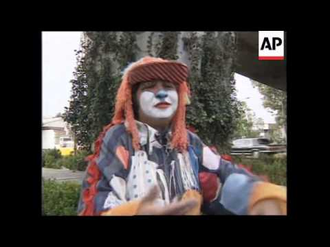MEXICO: STREET CLOWNS: THE ALTERNATIVE TO UNEMPLOYMENT