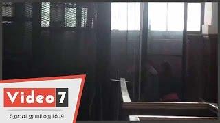 """بالفيديو.. إيداع متهمى قضية """"أحداث جامعة الأزهر"""" قفص الاتهام"""