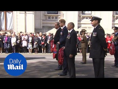 Prince Harry lays a wreath at the Cenotaph in London - Daily Mail