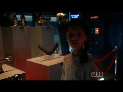 The Flash 5×03 First Scene – Timeline Change