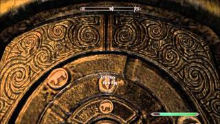 Elder Scrolls V: Skyrim (How to open the ring door) on Bleak Falls Barrow