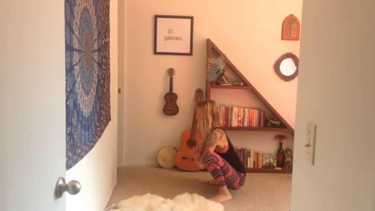 14 Minute Yoga Flow: Grounded Joy (13:54)