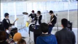 2013年に愛知産業大学で行われた「GAKUTEN(学展)」のライブです。 「G...