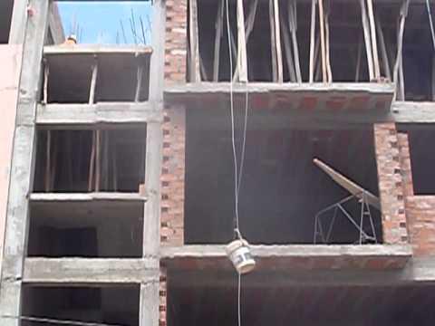 Maquina para subir material de construcci n youtube - Material de construccion ...
