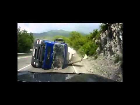 Nhung vụ tai nạn giao thông kinh khủng nhất trên thế giới