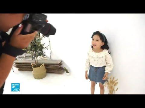 أطفال من الصين يعملون كعارضي أزياء رغم التعب والعناء  - نشر قبل 2 ساعة