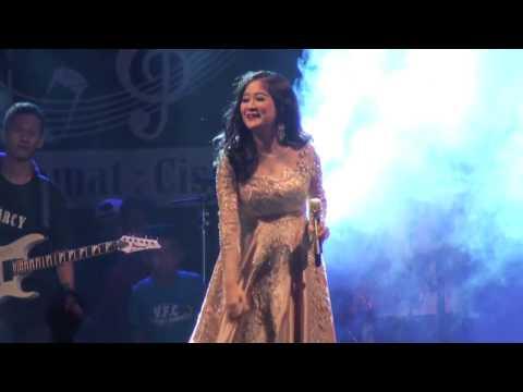Dangdut Sukabumi - OM. MERCY - Uut Permatasari - Putri Panggung