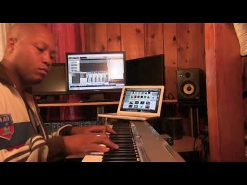 Andrae Alexander learns songs from itunes in 1 minute