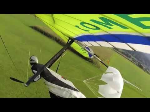 Hang Glider Crash Funny: Over the hedge - Ab durch die Hecke