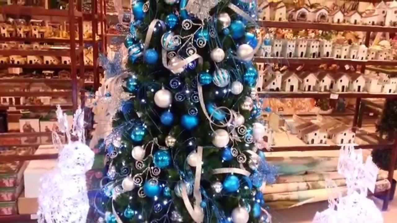 Varias ideas para decorar el arbol de navidad de azul 2018 for Ideas para decorar el arbol de navidad