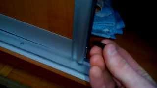 Как приклеить отвалившуюся щетку на шкаф-купе самому(, 2015-03-04T12:16:45.000Z)