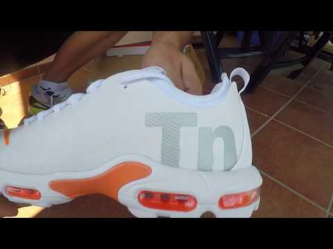 Unboxing white Nike TN 1 Ultra thumbnail