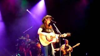Watch Terri Clark Merry Go Round video
