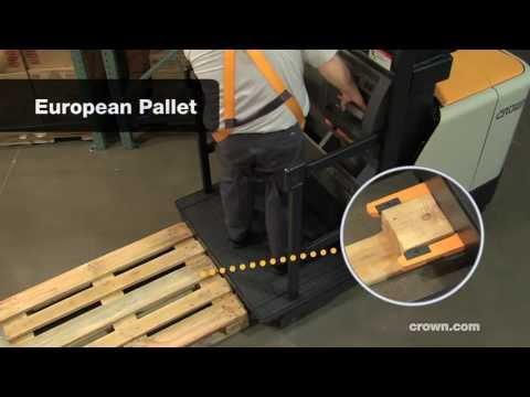 Variable Pallet Clamp: Crown SP 4000 Order Picker