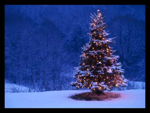 Relaxing Christmas Music: Peaceful Solo Piano - YouTube