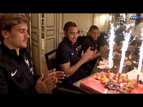 L'anniversaire d'Antoine Griezmann avec les Bleus