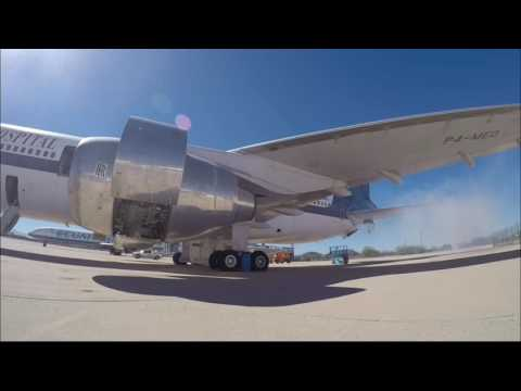 Firing up the engines of a Lockheed L-1011