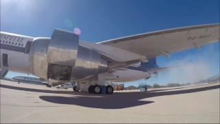 Video Firing up the engines of a Lockheed L-1011 download MP3, 3GP, MP4, WEBM, AVI, FLV Oktober 2018