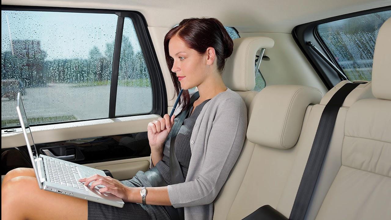 Хозяйка водитель секс, Накаченный водитель трахает свою хозяйку в машине 17 фотография