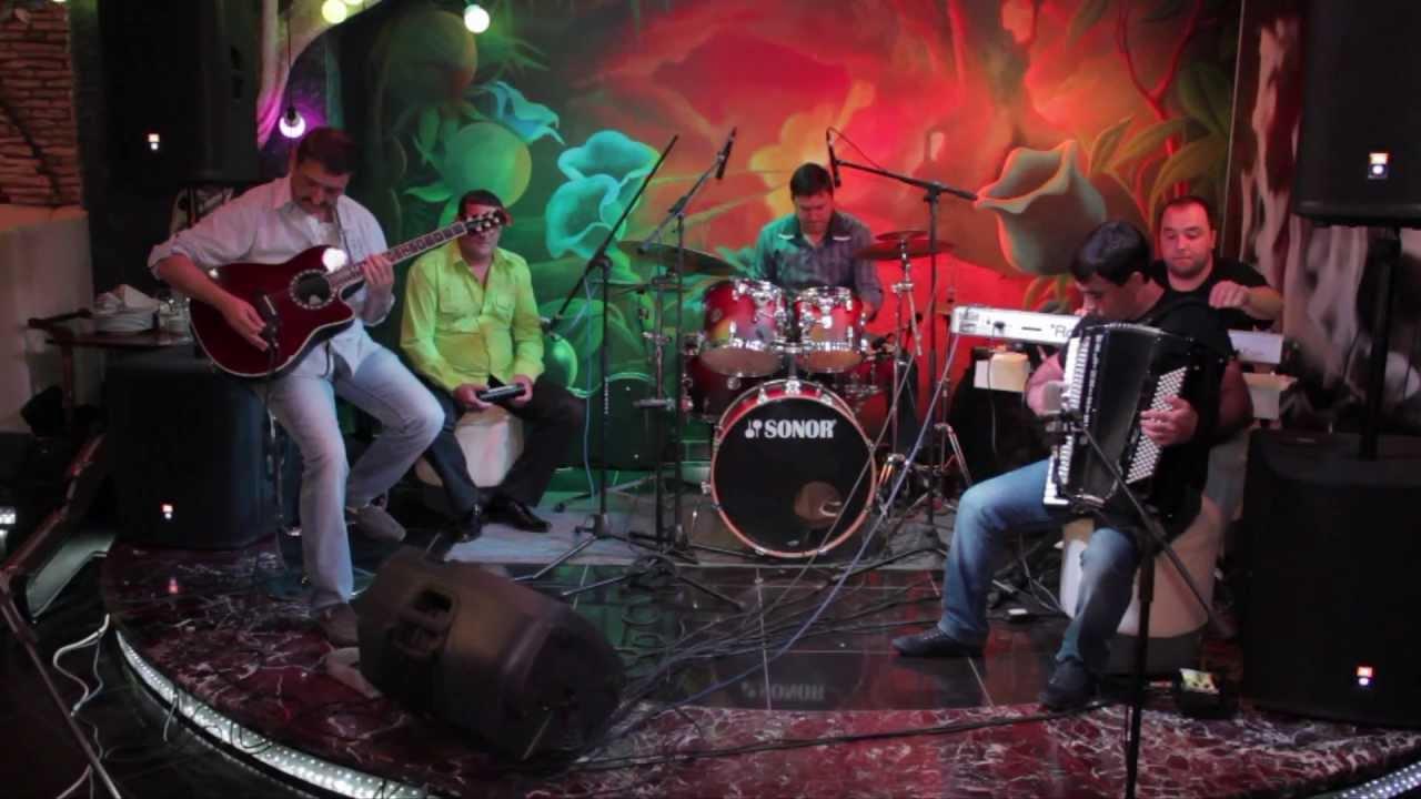 Crimean jazz band Garik accordion French waltz