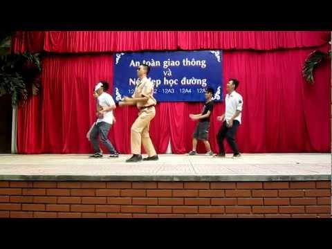 Nhạc Kịch ATGT (Gangnam style) 12A4 THPT Trần Nhân Tông