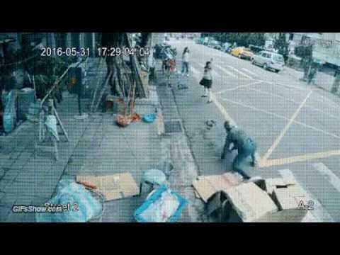 Heroes  kung fu women on cctv cam