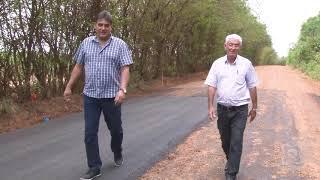 Zé Fernandes e Carreira conferem recapeamento asfáltico no Bairro da Mina após solicitações