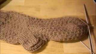 Как убавить петли на носке 1-й способ. Простое убавление петель.