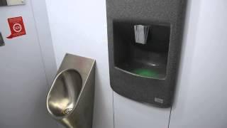 первый туалет в московском метро, тест-драйв