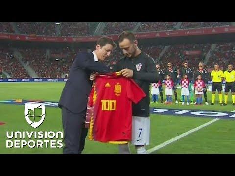 Homenaje a Ivan Rakitić por su partido 100 con la camiseta de Croacia - 동영상