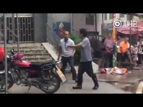 Chinese Kungfu street fight
