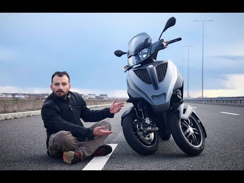 2018 Piaggio MP3 Yourban Review. Insane Scooter with Car License
