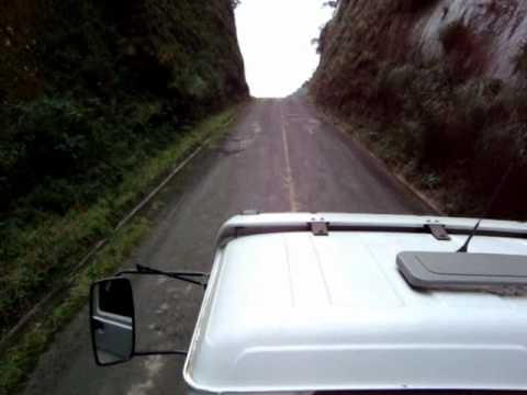 Caminhão Subindo a Serra do Corvo Branco - Grão Pará
