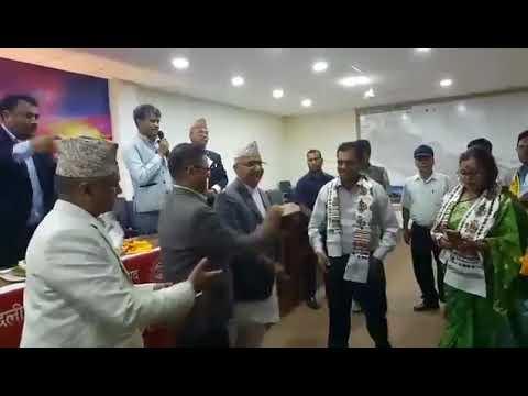 रातारात माओबादि पोलिटब्युरो सदस्य सहितको हुल एमाले प्रबेश Maoist Center politburo members join UML