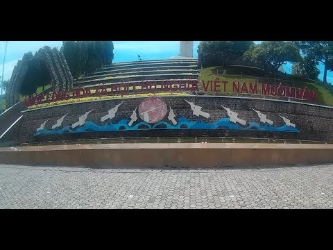 Retiring in Vietnam - Vung Tau Rider Video 4 (Martyr's Memorial and going to the mall)