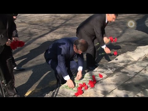 Davutoglu pays his respects to Ankara attack victims