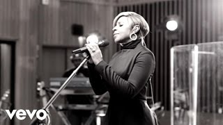 Mary J. Blige - Right Now (Walmart Soundcheck)