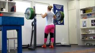 Weightlifting training Anna Everi