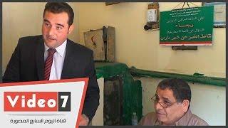 """حوار ساخن بين عقيد رقابة إدارية وصاحب مخزن تموين بسبب """"جلابية"""""""