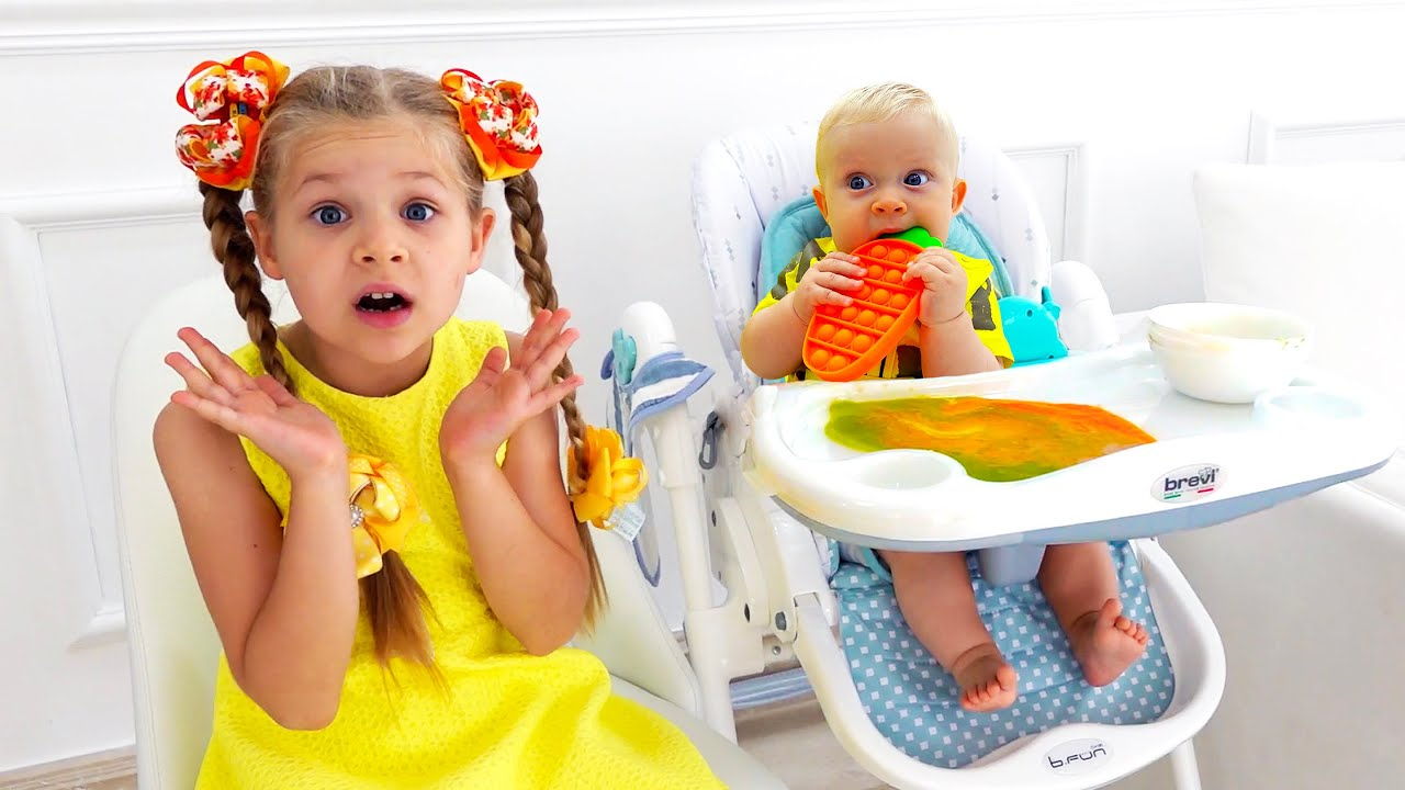 Diana and Roma Play with Baby Oliver | Best videos with little brother
