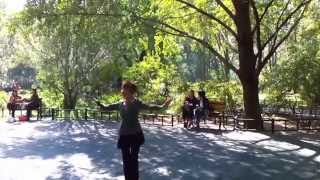 "Mohabbatein ""Ankhain Khuli hon ya hon band"" Chinese Old Lady Dance at Beijing Park"