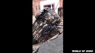 A car has sunk in the sinkhole  in Hoboken, NJ 28.02.2017