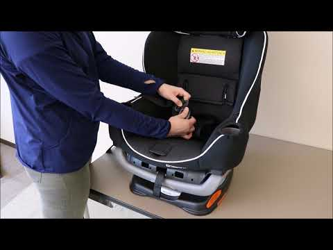 Graco® Extend2Fit® – How to Remove and Replace the Car Seat Cover