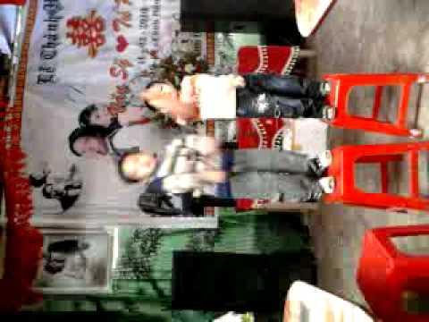 2 cậu bé nhảy nhạc sàn cực bốc